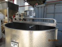2000L Stainless Steel Mixing Tank – TK16